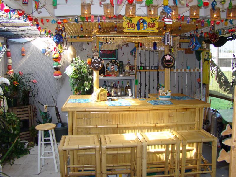 Tiki bar photo gallery - Restaurante tiki ...